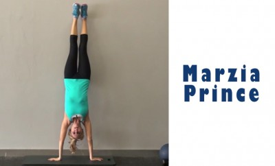 WHY YOU SHOULD DO A HANDSTAND A DAY