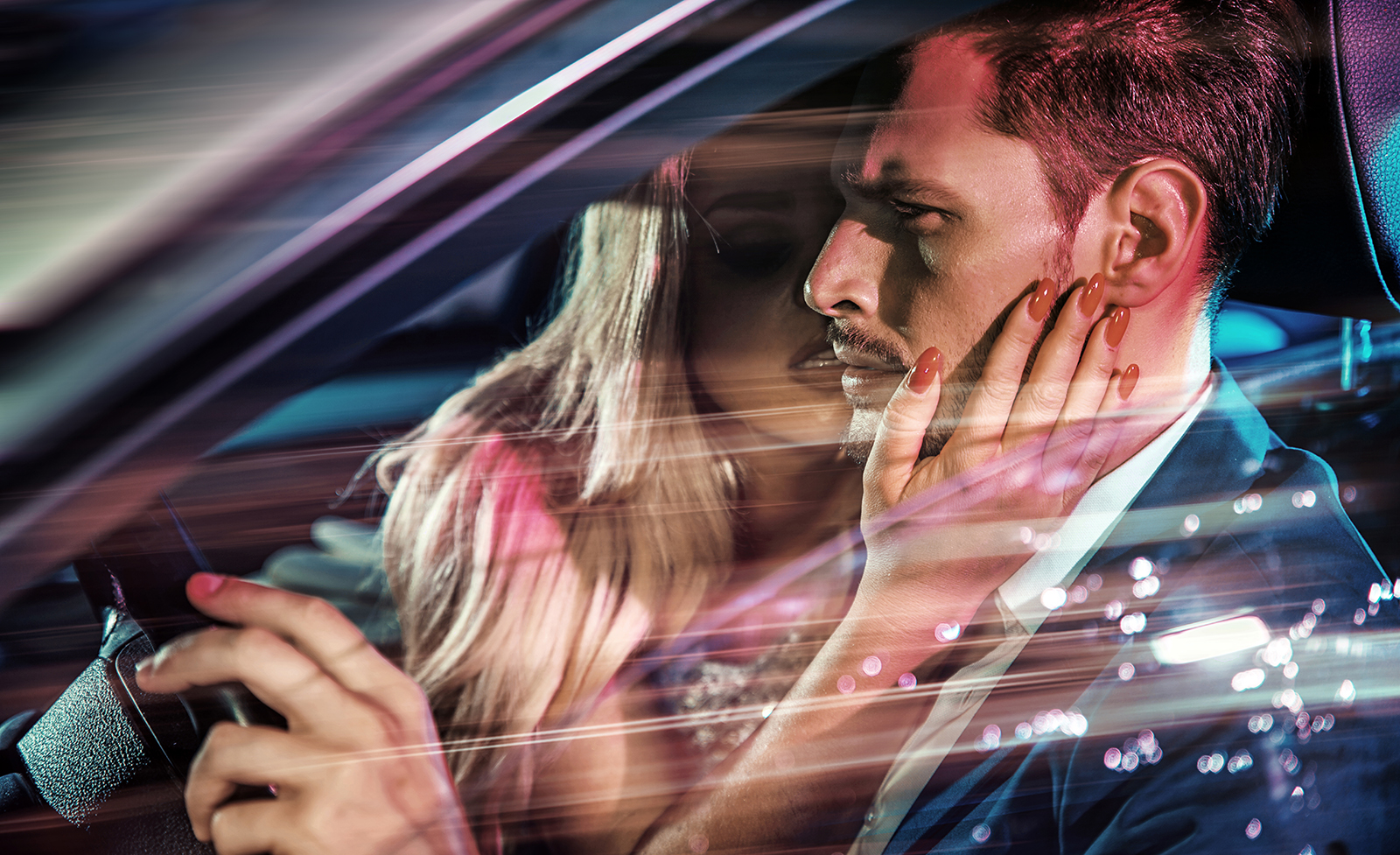 woman-in-car-kissing-man-sex-sexy-main-image