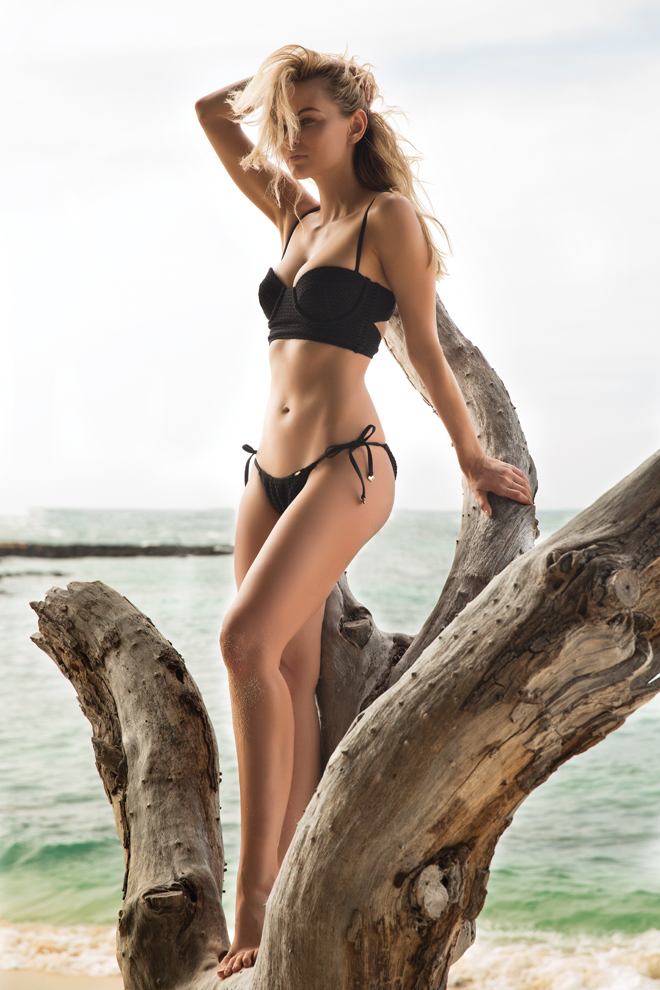 kimberly-cozzens-sarah-orbanic-hawaii-wildfox-black-bikini