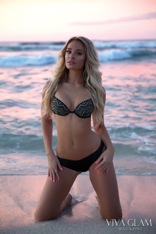 incredibly beautiful women having sex
