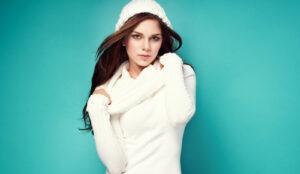 winter-fashion-girl-in-hat-sweater-and-winter-attire