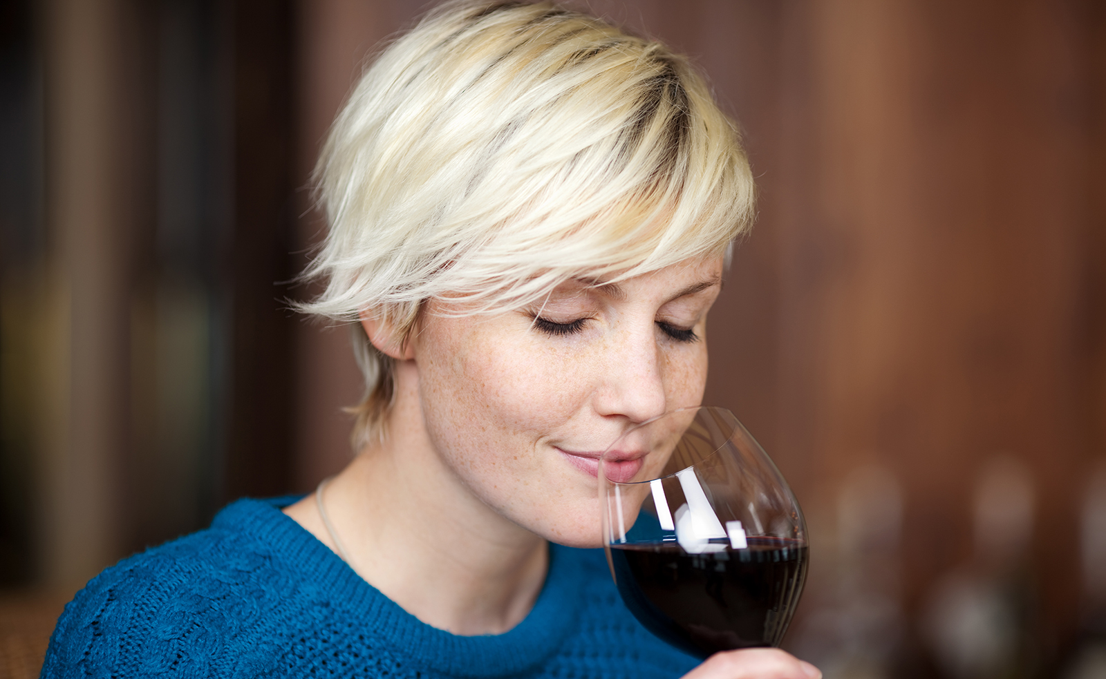 woman-drinking-wine-wine-tasting-smelling-wine-main-image