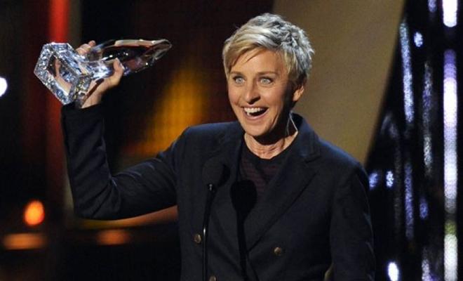 Ellen DeGeneres Makes History 2017 People's Choice Awards