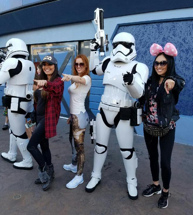 Disney Star-Wars Land Stormtroopers Angelica Curiel, Gwendalyn Augustine, Candace Kita