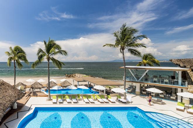 Villa-Premiere-Puerto-Vallarta-Mexico-Pool-Beach -La-Ceiba-Restaurant