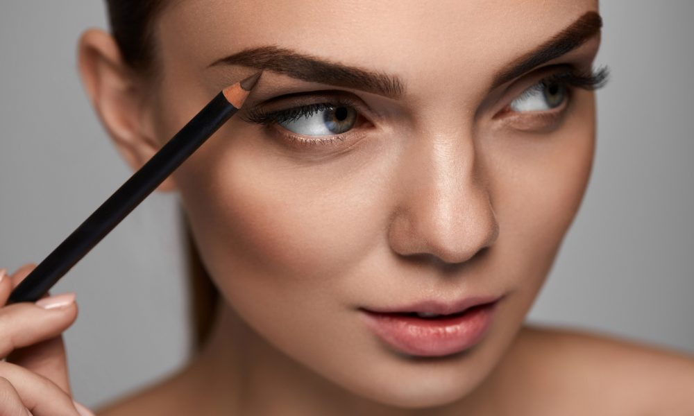 Try Eyebrow Tint For A Sexy Edge