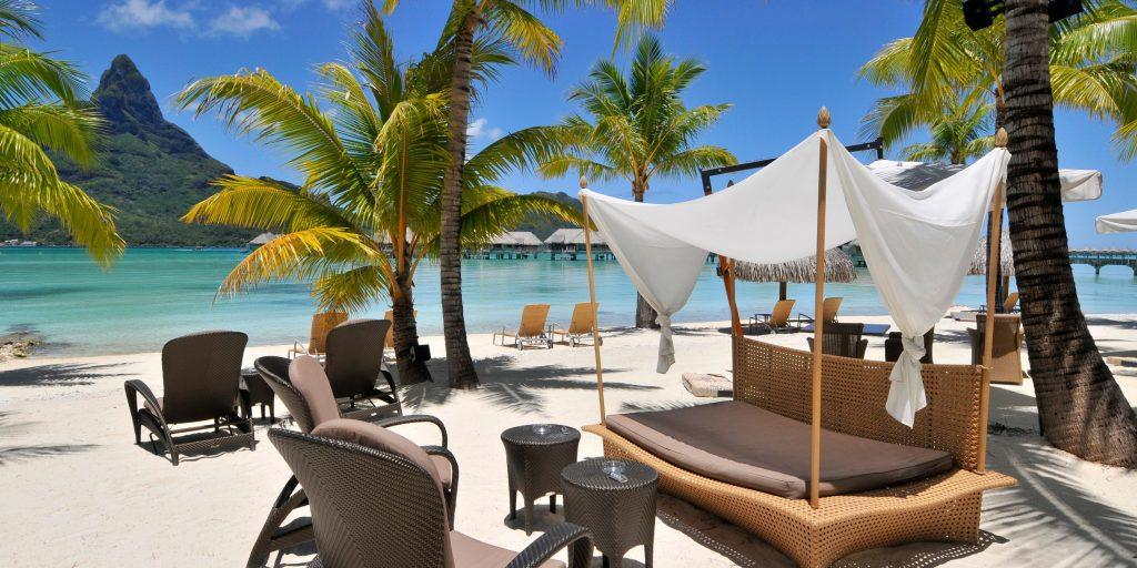 21 Photos of Bora Bora You Need to See beach palm trees