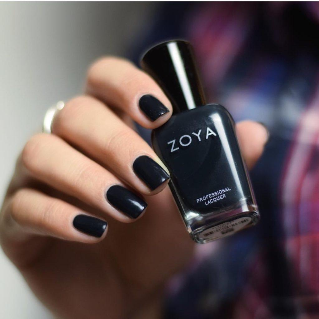 black-nail-polish-winter-trend-colors
