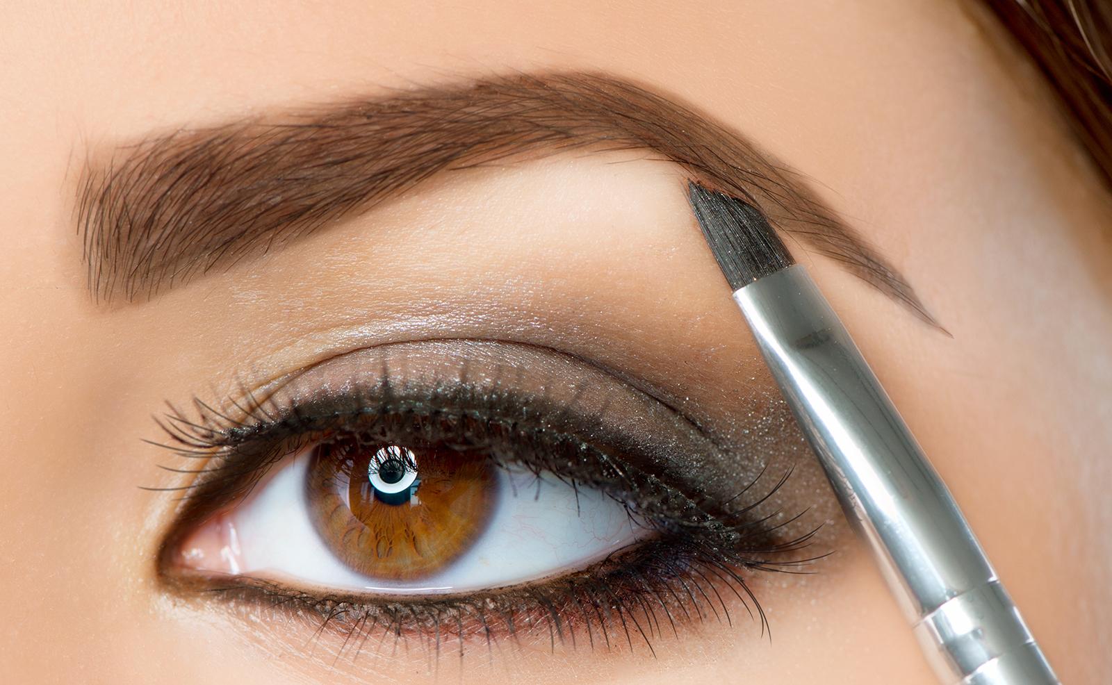 eye-makeup-common-makeup-mistakes