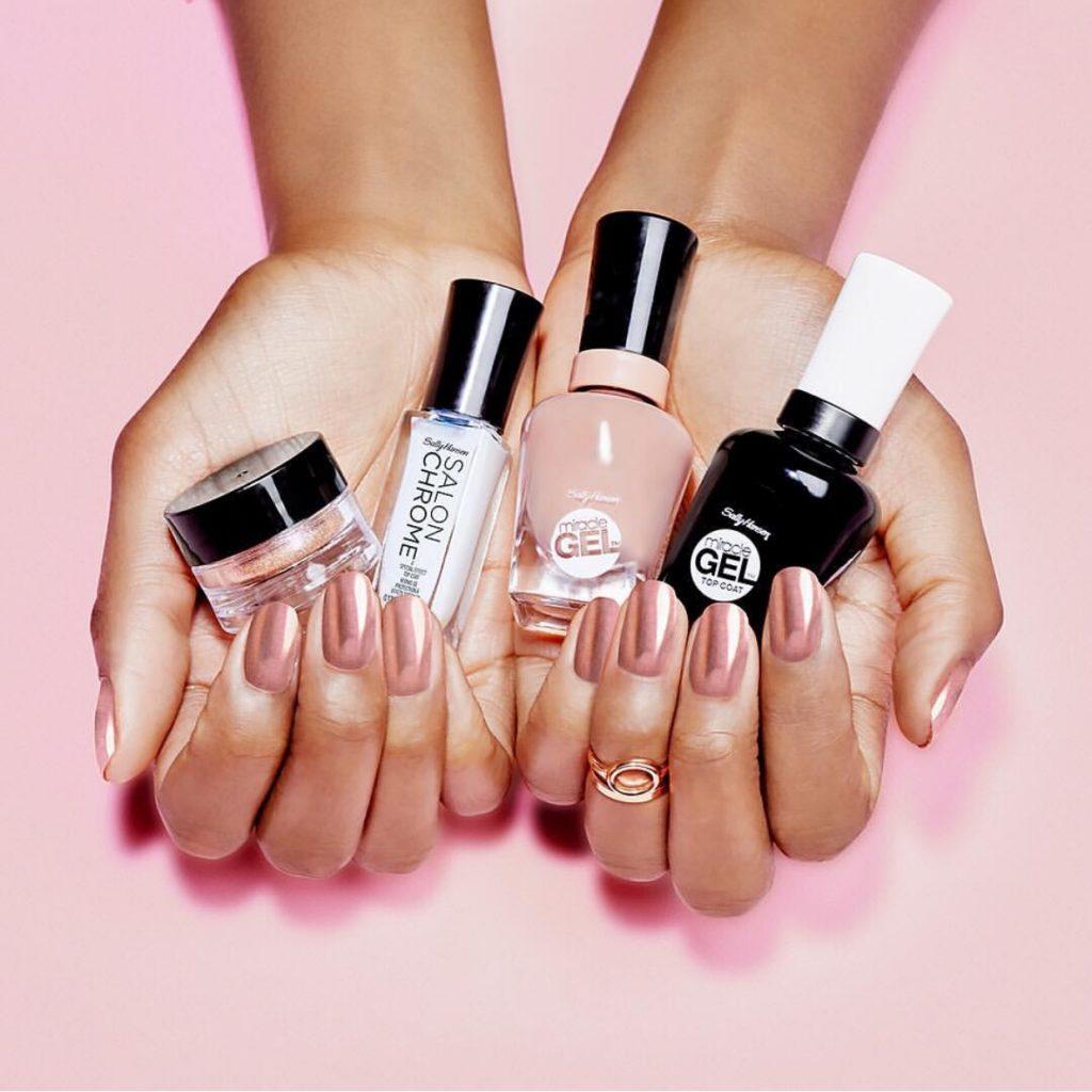 rose-gold-chrome-nail-polish-winter-trend-colors