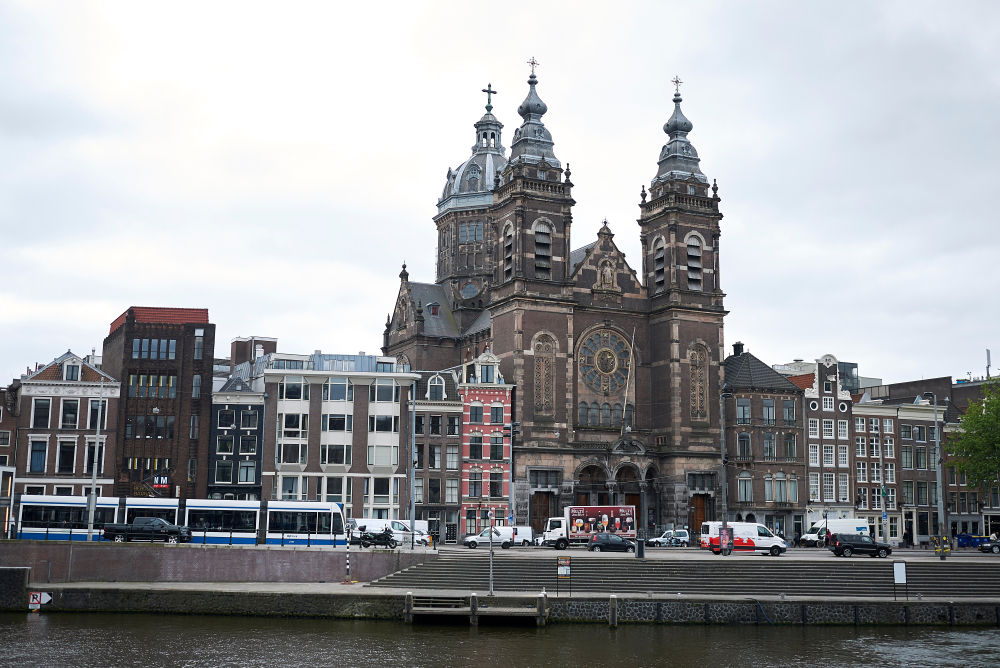 5 Beautiful Amsterdam Monuments You Cannot Miss