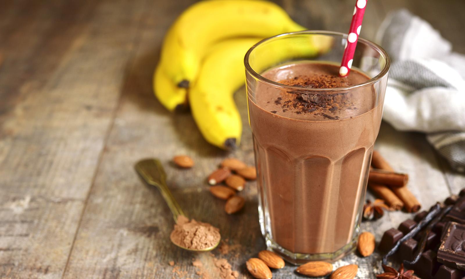 chocolate-smoothie-juice-with-banana
