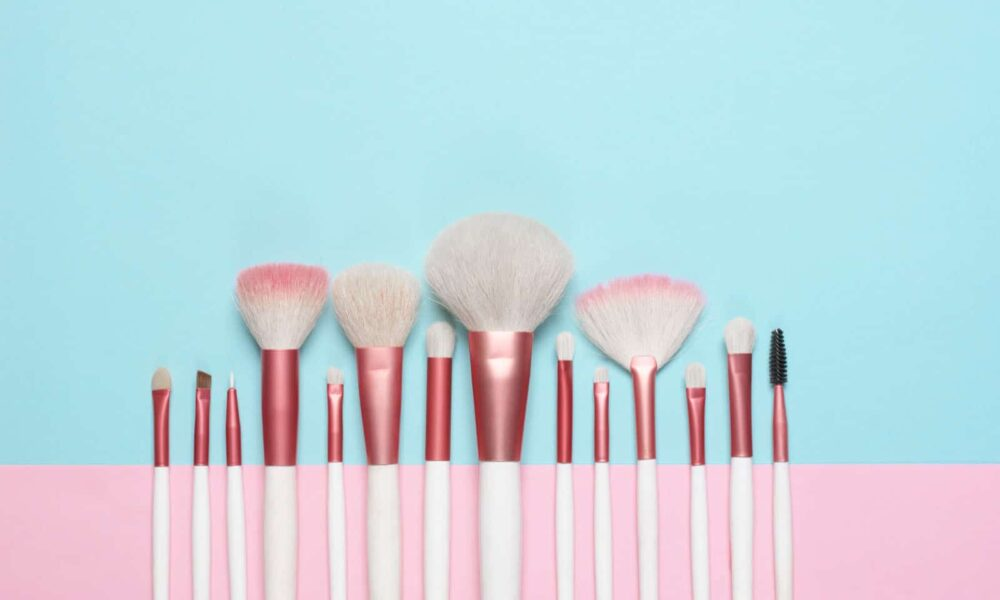 Did you know that maintaining your makeup brush is equally as important (if not, more) than using a high quality brush? That's right, any old brush will ...