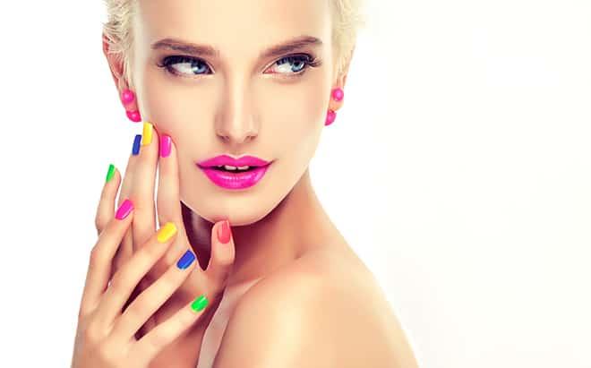 7-Cocktail-Party-Makeup-Looks-That-Compliment-Your-Dresses-fun-colors