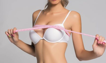 How_to_meaure_your_Bra_size_main_image_malorie_mackey