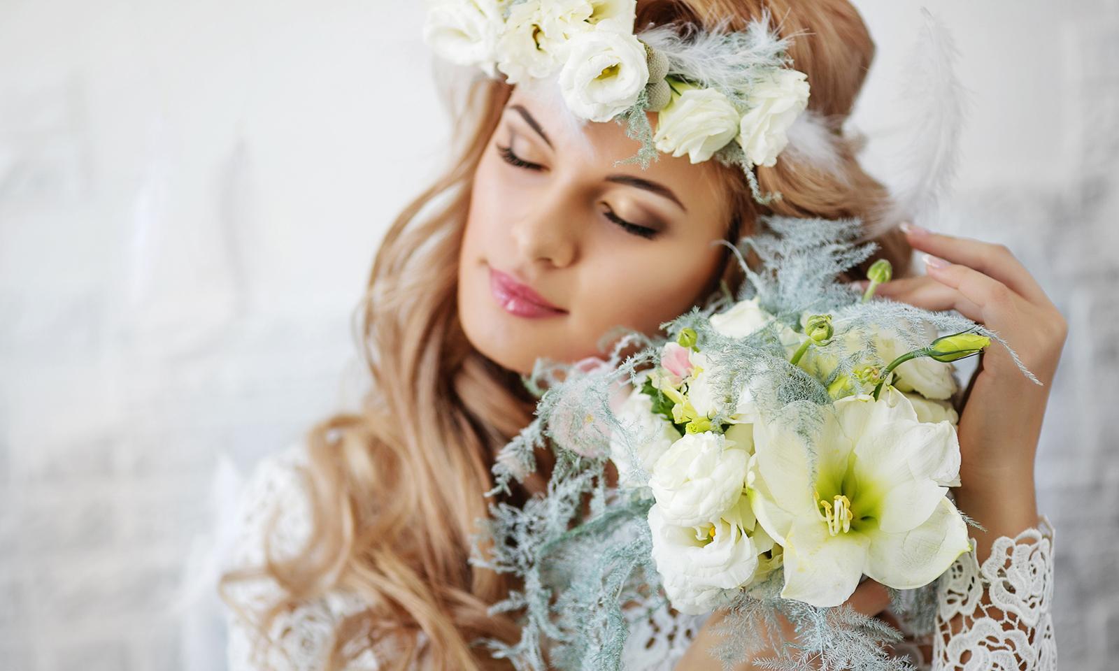woman-in-white-flower-crown-holding-flowers-beauty-light