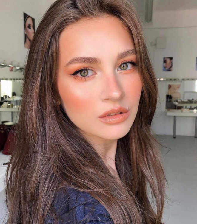 living coral makeup is here to replace the natural glam 4