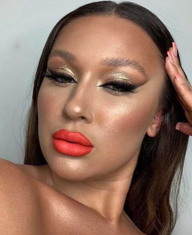 living coral makeup is here to replace the natural glam 9