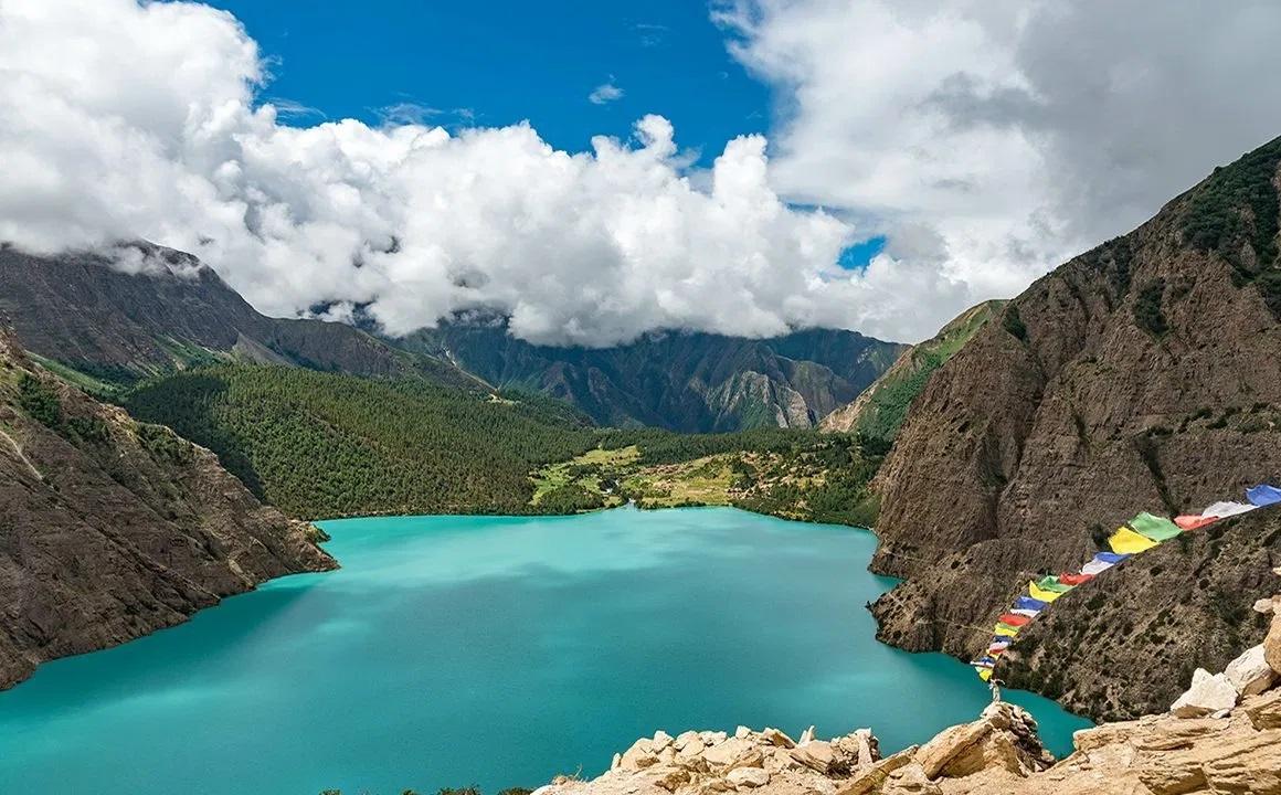 Phoksundo-lake-in-nepal-places-in-nepal-most-people-miss-1160×720