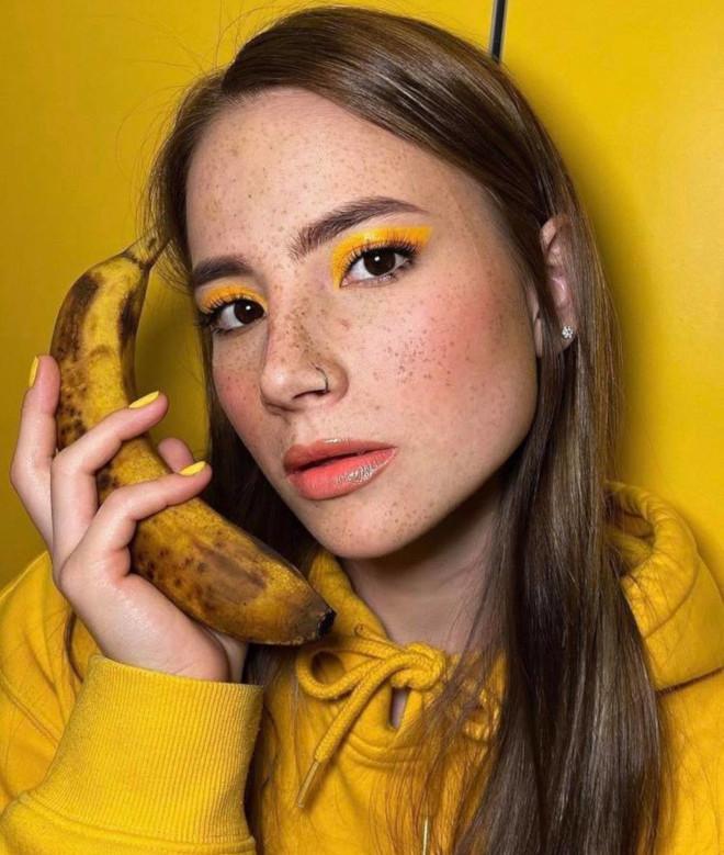 banana makeup trend is sexy af 2