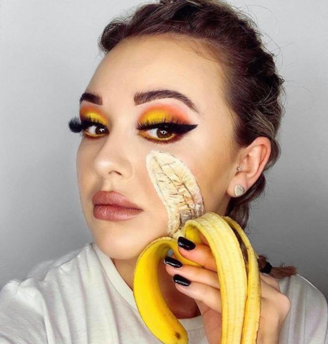 banana makeup trend is sexy af 5