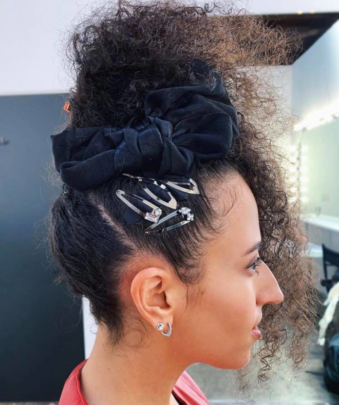 curly ponytails for sweat-free summer days 6