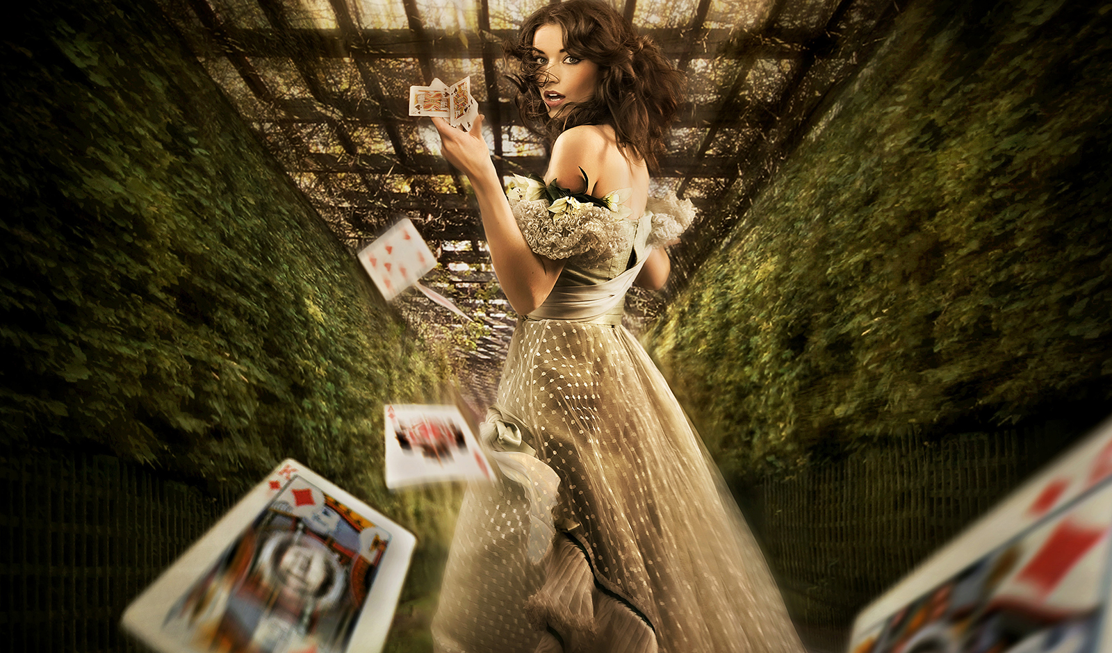 poker-queens-untold-movie-story-main-image