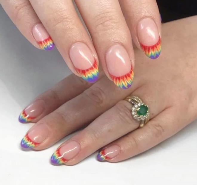 rainbow tie-dye french manicure 7