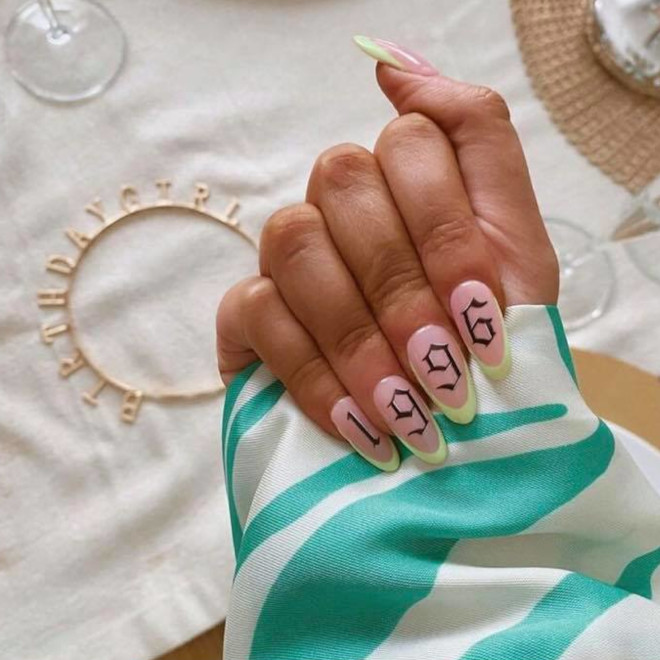90s nails are blowing up on instagram
