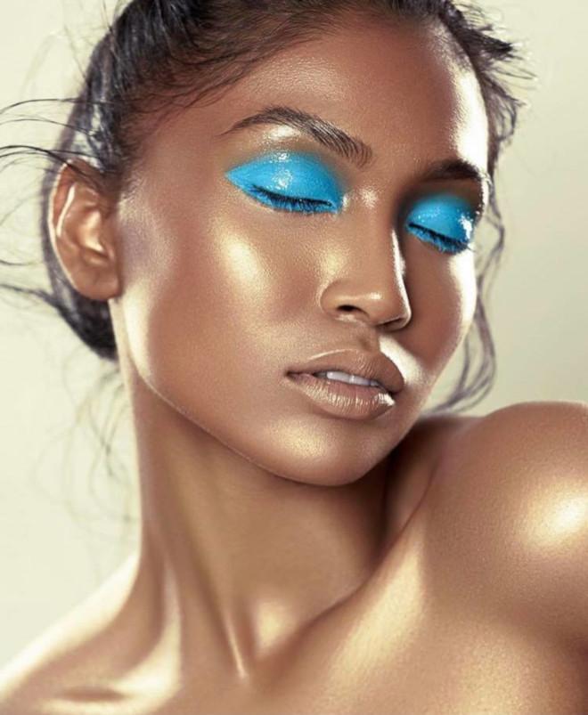 glossy lids makeup trend 4