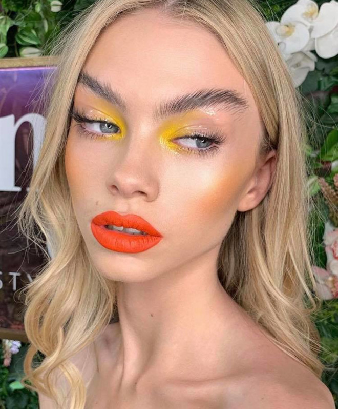 minimally neon makeup trend is the safest way to wear bright hues 9