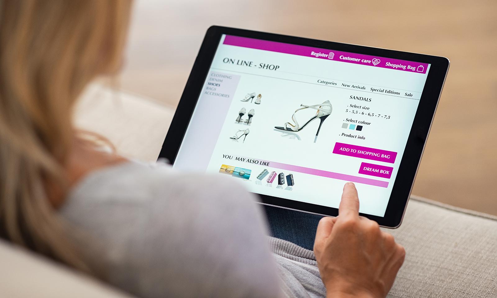 online-shopping-shoes-shoe-shopping-online-woman-shopping-virtually