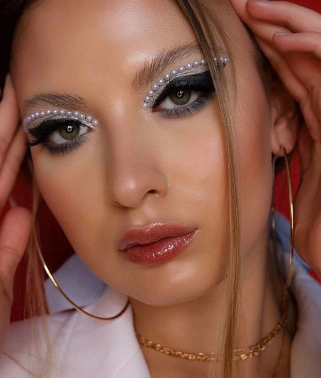 pearl makeup trend 2