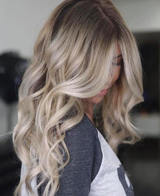 undone blonde hair trend 4