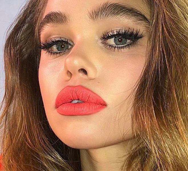 ways to pull off coral lipstick 2
