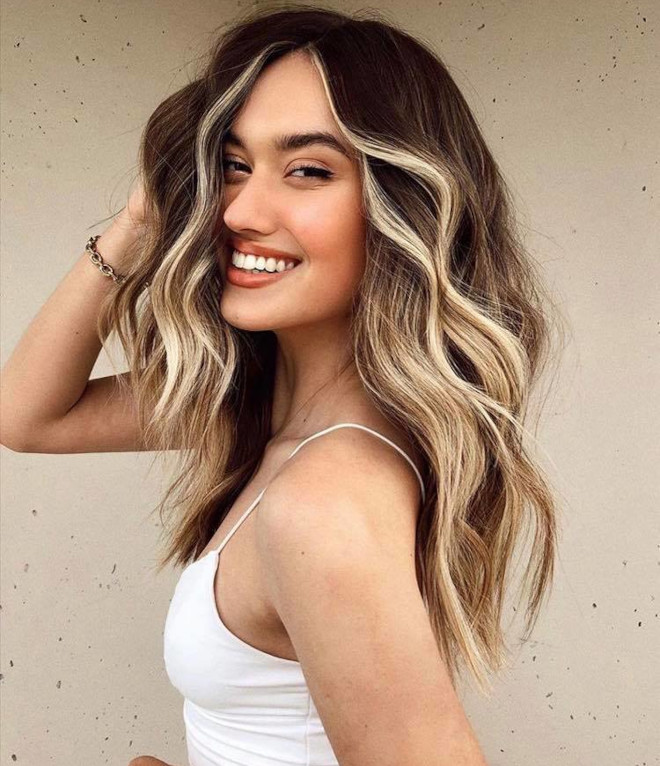chocolate almond hair color trend