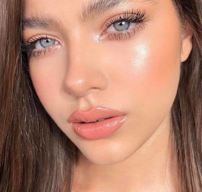 dolphin skin makeup trend 7