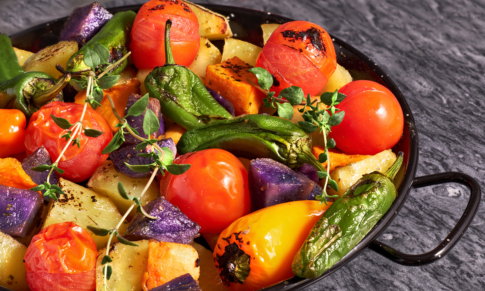 food-that-may-cause-harm-when-reheated-vegetables-in-skillet