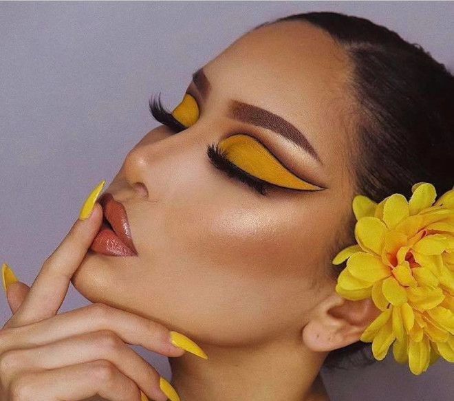 yellow eyeshadow is the hottest end-of-summer makeup trend 1