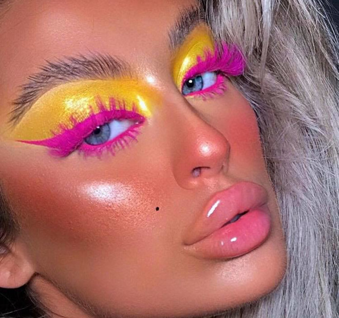yellow eyeshadow is the hottest end-of-summer makeup trend 2