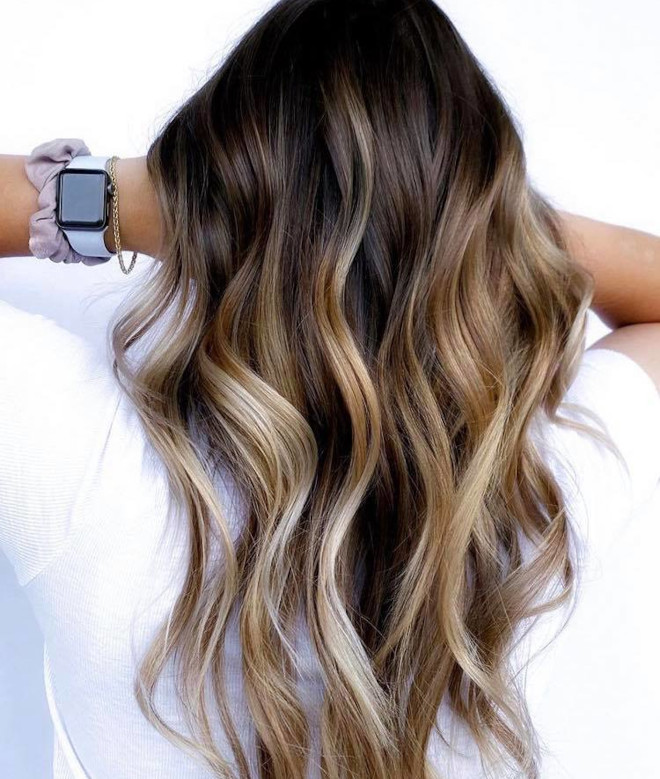 chocolate chai hair trend is the new way to update your balayage this fall 6