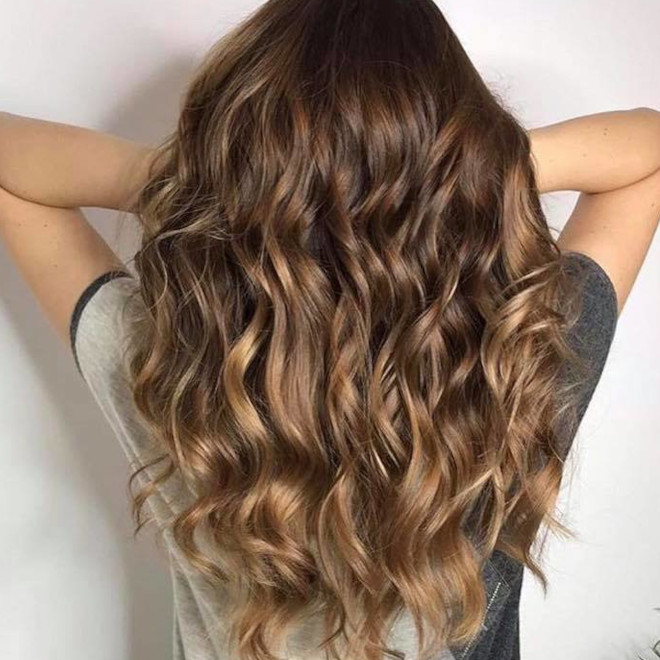 dirty brunette hair color trend for fall 3