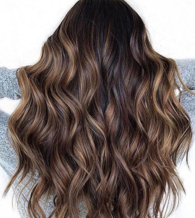 dirty brunette hair color trend for fall 6