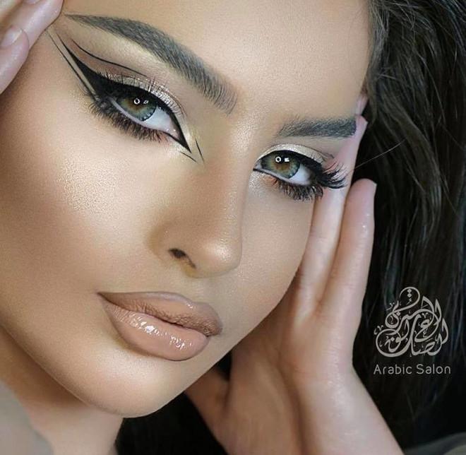 floating eyeliner makeup looks for fall 8
