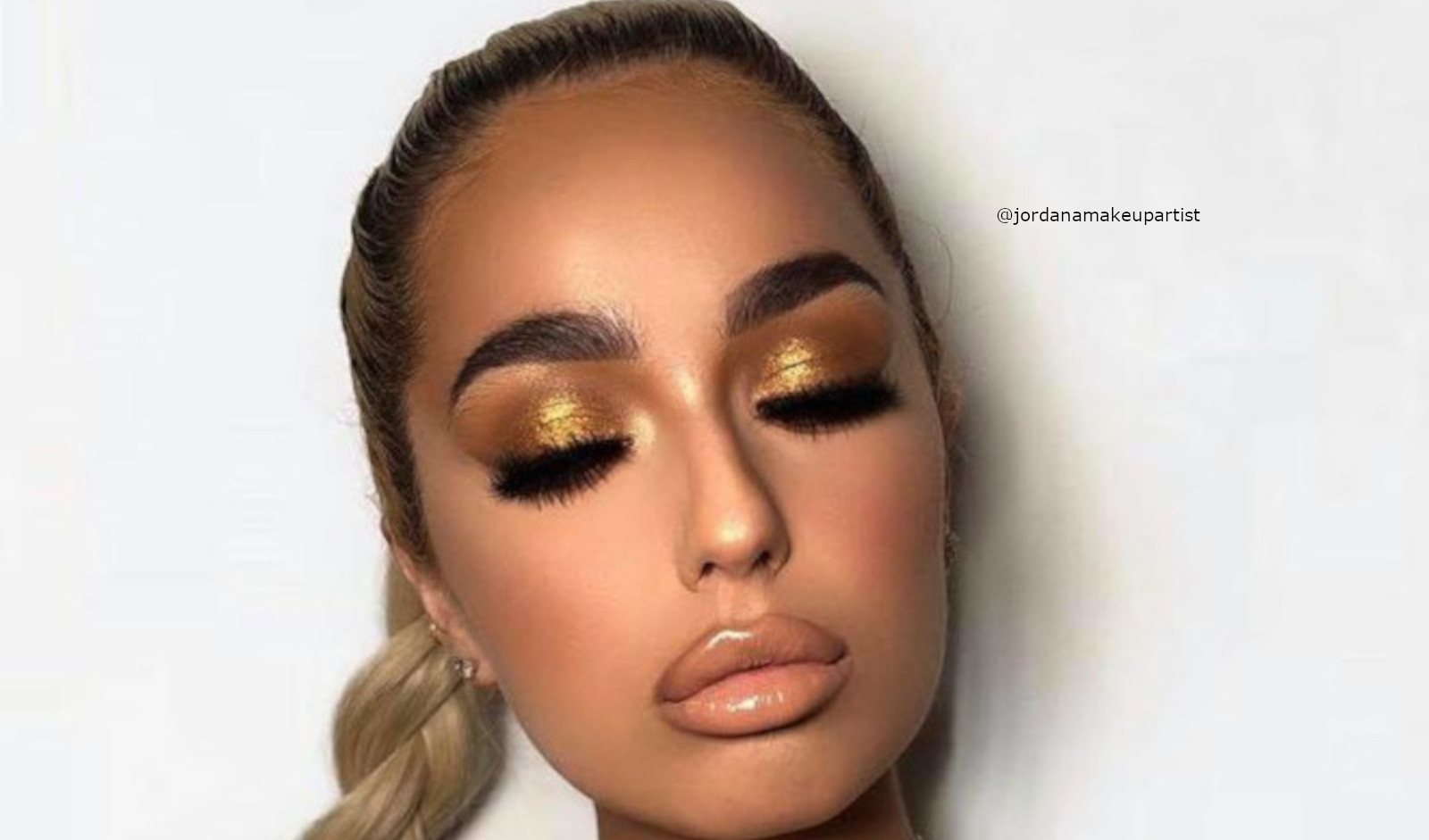 How To Wear The Hottest 2000 Makeup Trends Now