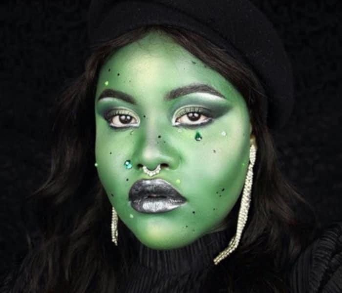last-minute-easy-halloween-makeup-looks-9-700×600-1