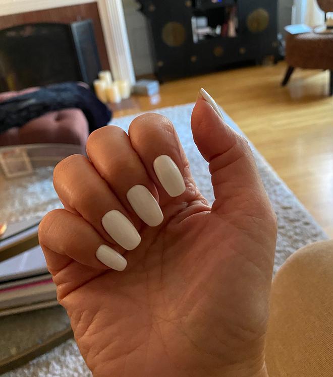 nailing-it-while-abroad-travel-nails-white-nails