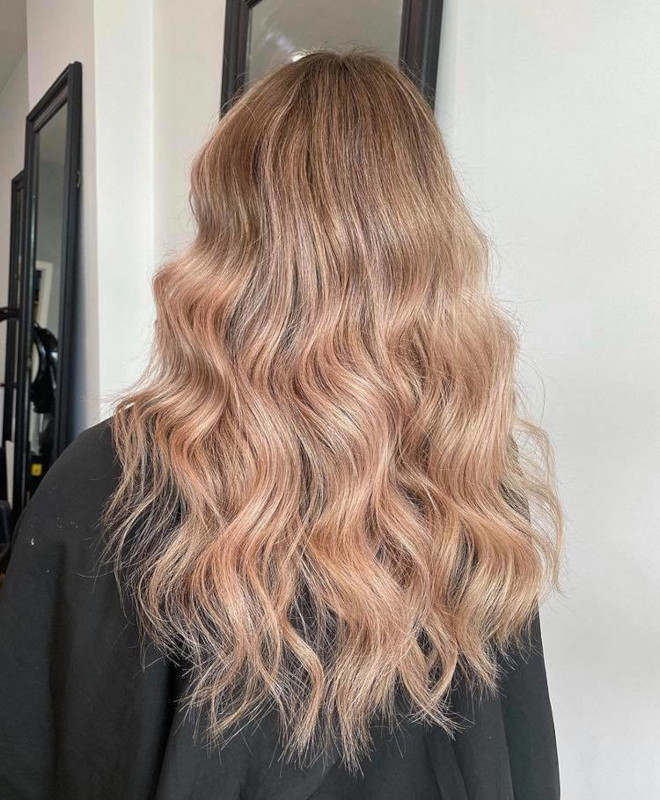 peachy blonde is the perfect light hair color for fall 3
