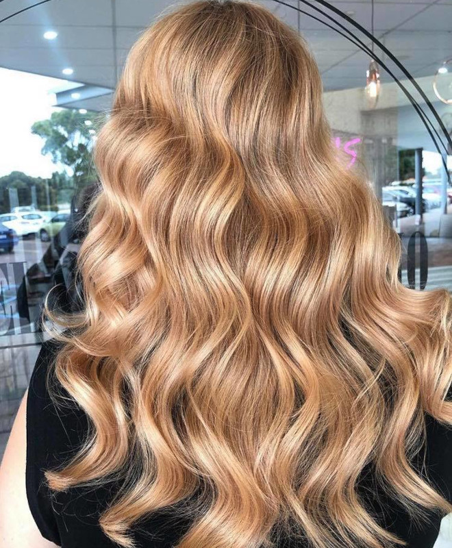 peachy blonde is the perfect light hair color for fall 6