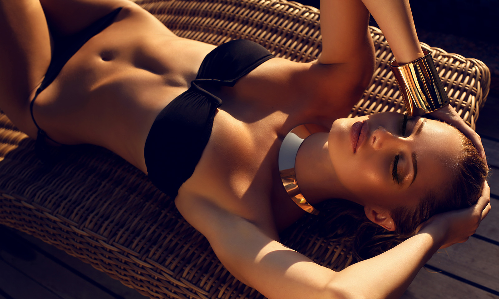 story-of-smooth-skin-and-lasers-woman-in-bikini-with-great-skin